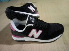 New Balance 565 Women's Black Purple Running Shoes