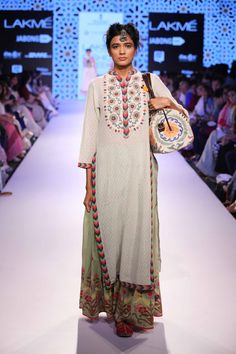 Glimpse of an amazing collection Vrisa by Rahul and Shikha at Lakme Fashion Week Summer Resort' Pakistan Fashion, India Fashion, Ethnic Fashion, Asian Fashion, Pakistani Dresses, Indian Dresses, Indian Outfits, Indian Look, Indian Ethnic Wear