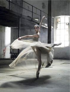 Things I Love / Ballerina / Bailarina / Балерина / Dancer / Dance / Ballet on imgfave Shall We Dance, Lets Dance, Dance Like No One Is Watching, Ballet Photos, Dance Movement, Ballet Photography, Movement Photography, Body Photography, Inspiring Photography