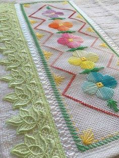 Simple Embroidery, Hand Embroidery Designs, Embroidery Patterns, Hardanger Embroidery, Embroidery Applique, Embroidery Stitches, Cross Stitch Borders, Cross Stitch Designs, Cross Stitch Patterns