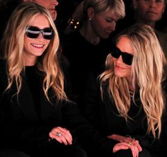 MKA ASHLEY MARY KATE OLSEN FRONT ROW J MENDE FASHION WEEK FW FALL WIINTER 2012 SUNGLASSES CELINE PANT SUITS STRIPES SMILING LOBG WAVY HAIR BEACHY RINGS SILVER CROSSBODY SHOULER BAG 2
