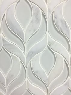 Botanica Waterjet Mosaic Tile in Arabescato Marble and Clear White Glass Botanica Waterjet Tile Clear White Glass and Arabescato Marble Mosaic - High Quality Marble Kitchens