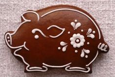 Pig Cookies, Iced Cookies, Cute Cookies, Royal Icing Cookies, Cookies Et Biscuits, Sugar Cookies, Gingerbread Decorations, Christmas Gingerbread, Gingerbread Cookies