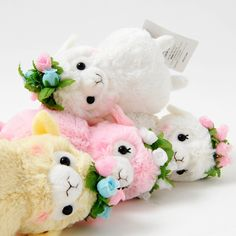 Alpacasso are very popular of course in Japan, but also in the United States! Alpacasso are kawaii characters inspired by Alpaca, social herd animals!  These rosy-cheeked Alpacasso plushies seem to have been relaxing in a field of flowers! Each are adorned with a cute flower crown. White, Beige, Peach (Momo-chan), and Flower (Hana-chan) look like best friends! White and Beige are boys, whereas P...