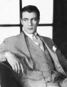 Pictures of Gary Cooper from the 1930s