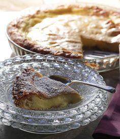 Milk Pie is a creamy phyllo dessert from Northern Greece. Greek Sweets, Greek Desserts, Greek Recipes, Cypriot Food, Sugar Pie, Greek Cooking, Winter Desserts, Something Sweet, International Recipes