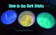 Glow-in-the-dark Drinks. What a cute idea for kids when you are at a late night picnic. Wait - we are going to a movie in the park tonight! #fun.