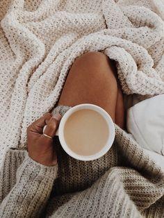 dusk to dawn – Cozy Autumn Cozy, Cosy Winter, Autumn Aesthetic, Dusk To Dawn, Jolie Photo, Insta Photo, Fall Halloween, Warm And Cozy, Vsco