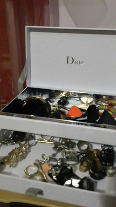 Dior little parfume set became a jewellary box