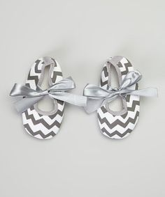 Head over Heels   Daily deals for moms, babies and kids. Chevron baby slippers
