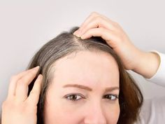 The Secret Natural Remedy for Gray Hair Dye My Hair, Your Hair, Prevent Grey Hair, Peinados Pin Up, Look In The Mirror, Proud Of You, Free Makeup, Beauty Editorial, Bad Hair