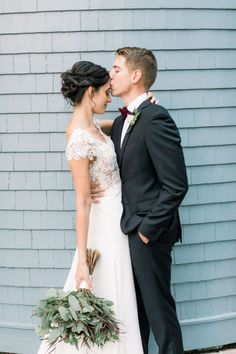 This romantic duo celebrated their wedding day at the Dr. Philips House in Orlando. | Jordan Keenan Photography