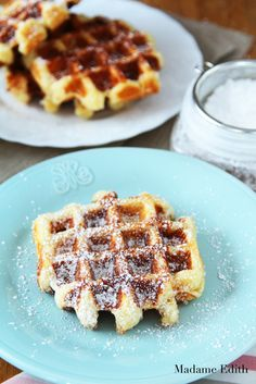 5 przepisów z gofrownicy - Madame Edith Dessert Drinks, Desserts, Vegetarian Cake, Cheat Meal, Waffles, Food And Drink, Cooking Recipes, Sweets, Meals