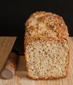 Chleb pełnoziarnisty z ziarnami | coolinarna strefa