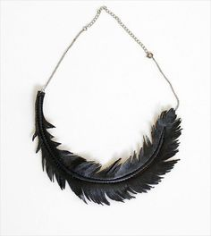 Black One Feather Necklace- 25 DIY Feather Jewelry Design | DIY to Make