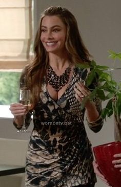 Gloria's snake print wrap top on Modern Family Sofia Vergara Hot, Sophia Vergara, Modern Family Sofia Vergara, Modern Family Gloria, Snake Skin Dress, Family Outfits, Print Wrap, Everyday Outfits, Fashion Outfits