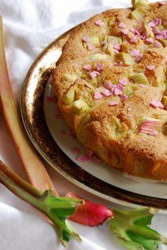 Moelleux à la rhubarbe (LA recette de gâteaux aux fruits à retenir ! A faire et refaire, avec des pommes, des poires , …)