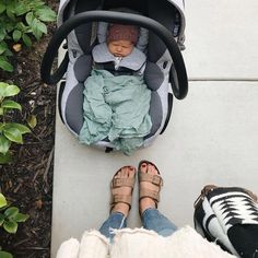 Anyone else feel like you got real bad at social interaction after becoming a mom? It gets worse with each baby, I think. The Babys, Little Babies, Little Ones, Cute Babies, Cute Family, Baby Family, Family Goals, Future Mom, Foto Baby