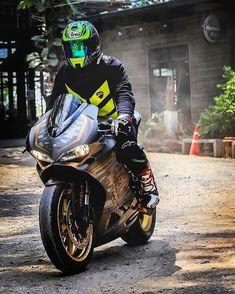 #1N23456 #kirmizigaraj #motosiklet #tişört #sweatshirt