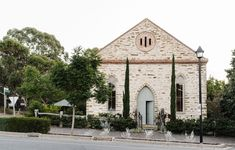 An 1870s Church Turned Stylist's Family Home In South Australia Australian Architecture, Australian Homes, Most Beautiful Gardens, Beautiful Homes, Antique White Usa, Architecture Awards, Amazing Architecture, Melbourne House, Victorian Terrace