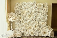 So pretty ; Paper Flower Art, Paper Flowers Wedding, Wedding Paper, Flower Crafts, Diy Wedding, Wedding Themes, Tissue Flowers, Giant Paper Flowers, Diy Flowers