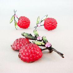 1950s brooch & earrings fruit salad Austrian