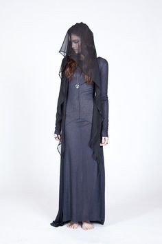 What Lady Stoneheart would wear, Ovate
