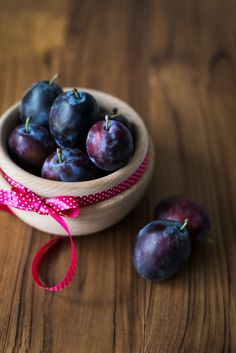 Plum, Food Photography, Photo And Video, Fruit, The Originals, Purple, Brown, Life, Pictures