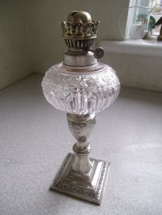 LOVELY SMALL VINTAGE SILVER PLATED & CUT GLASS OIL LAMP - 10 INCHES TALL