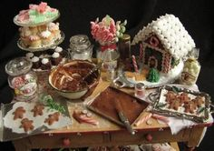 Collector's Club of Great Britain - Features Betsy Niederer's miniature gingerbread house and baking