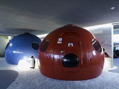 Die Konferenzräume der Googles Büro in Zürich http://wohnenmitklassikern.com/projekte/das-google-buro-in-zurich/
