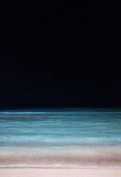0rient-express:  Sea and Sky - Waikiki at Night | byRyan.