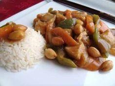 El pollo con almendras es todo un clásico de la cocina china que gusta a mucha gente y no es complicado de hacer. La carne de pollo proporciona muchas proteínas y muy poca grasa y las almendras son ricas en multitud de nutrientes. Receta de Pollo con almendras  Autor:Come con Salud Información nutricional Tamaño …