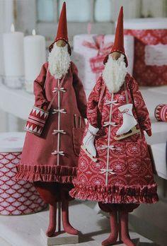 """Мы уже публиковали на сайте выкройку толстенького дедушки мороза с длинными ногами и спутником-олененком. А теперь вот смотрите, какой еще Санта в красном пальто и с барабаном пришел к нам из книги 2010 года """"Рождественские идеи Тильды"""".  Для шитья Санты..."""
