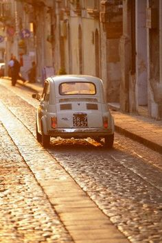 Fiat 500 driving down cobbled street, Noto, Sicily, Italy, Europe Noto Sicily, Sicily Italy, Photo Deco, Famous Castles, Italian Style, Italian Romance, Belle Photo, Photos, Pictures