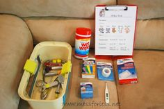 Vet - dramatic play ideas and checklist free printable. Imagine the new vocabulary words that could be introduced with this dramatic play theme! Good opportunity to practice tender, caring and helpful behaviors - to develop empathy and compassion. Dramatic Play Area, Dramatic Play Centers, Vet Office, Role Play Areas, Prop Box, Pet Vet, Play Based Learning, Learning Spaces, Vet Clinics