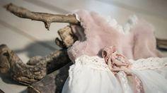 Χειροποίητο βαπτιστικό φόρεμα της BAMBOLINO.. Στο www.angelscouture.gr θα βρείτε τα ομορφότερα βαπτιστικά αυστηρά επιλεγμένα από εμάς!