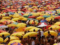 Ipanema Domingo by jmsalazarp, via Flickr
