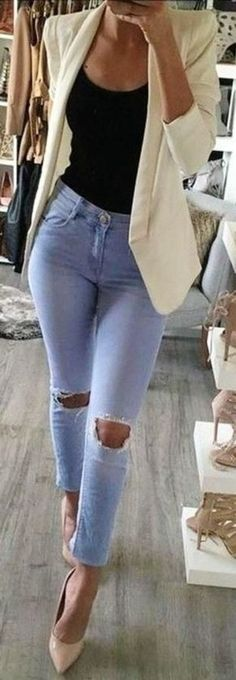 Superior Casual Outfits It is important for you to The police officer This Event. Get influenced using these. casual outfits for work Mode Outfits, Night Outfits, Skirt Outfits, Chic Outfits, Fashion Outfits, Fashion Ideas, Dress Fashion, White Blazer Outfits, Black Outfits