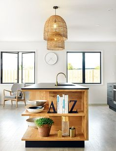 Picking the perfect pendants: How to get the right look for your lighting Dining Lighting, Kitchen Pendant Lighting, Cool Lighting, Lighting Design, Pendant Lights, Decor Interior Design, Interior Decorating, Led Down Lights, Furniture Placement