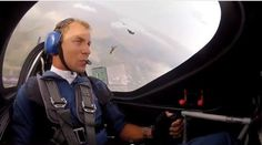 Martin Sonka, acrobacias aéreas, formação de pára-quedas - AC Variedades