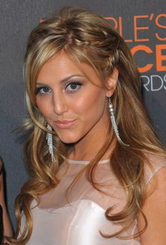 Cassie Scerbo / Pretty hairstyle. I love the little braid/twist details.