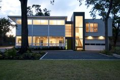 ntexture Architects designed this live-work building in Houston, sitting right next to a few houses the firm designed and developed as part of the Museum Park Modern development.