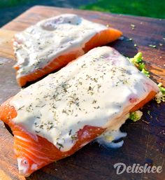 Are you over-cooking your salmon? Learn how to grill a salmon on the BBQ in these easy to follow steps right here on Delishee. Salmon Fillets, Cooking Salmon, Grilled Salmon, Salmon Burgers, Barbecue, Great Recipes, Grilling, Good Food, Breakfast