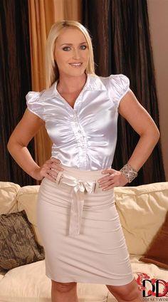Looking sensual in blouse & skirt