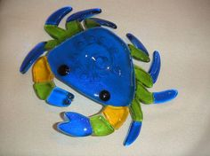 Fused Glass Ornaments, Fused Glass Jewelry, Fused Glass Art, Mosaic Glass, Glass Fusing Projects, Stained Glass Projects, Crab Art, Fish Art, Mosaic Animals