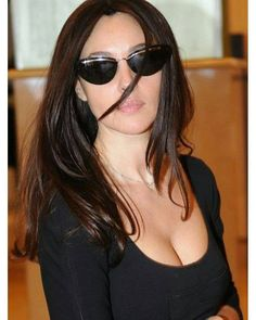 Monica Bellucci in sunglasses