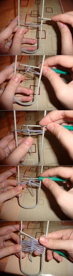 Вязание на вилке Hairpin Lace, Clothes Hanger, Hair Pins, Knitting, Crafts, Crochet Squares, Crochet Ideas, Crocheting, Mary