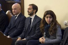 Dos periodistas en el banquillo de acusados en el inicio del juicio por el caso 'Vatileaks 2'   Radio Panamericana