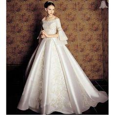 Fall traditional wedding dress